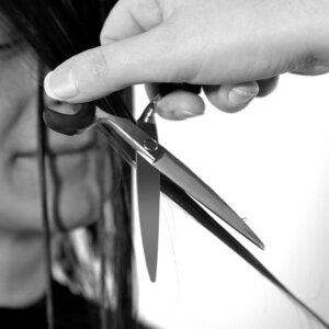 Ciseaux ergonomiques Exthand slicer en action